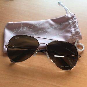 NWOT Golden framed Aviator sunglasses